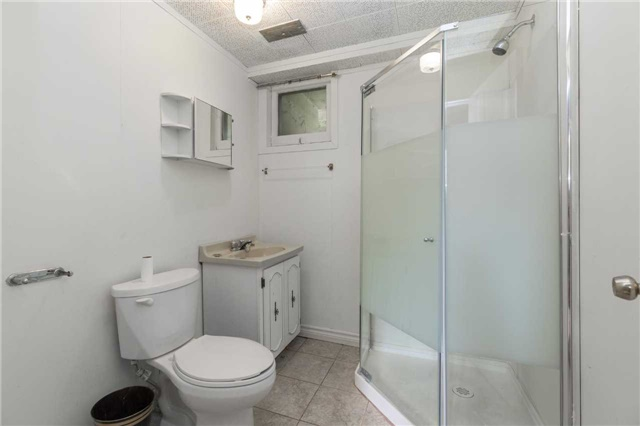 Detached at 110 Holcolm Rd, Toronto, Ontario. Image 5