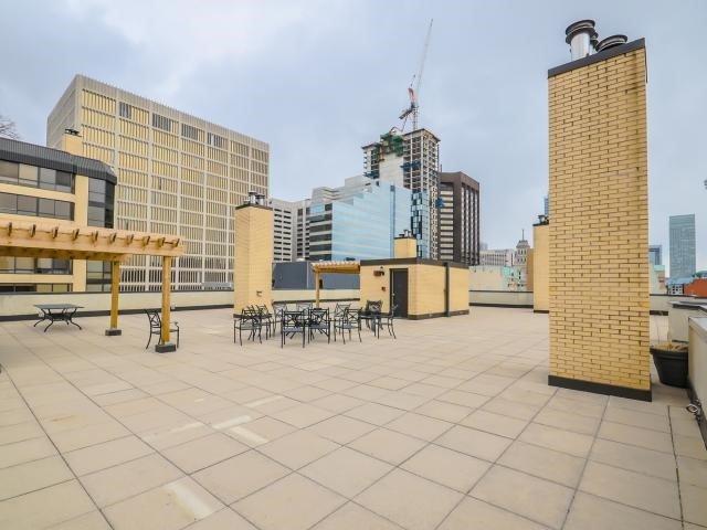 Condo Apartment at 280 Simcoe St, Unit 1206, Toronto, Ontario. Image 11