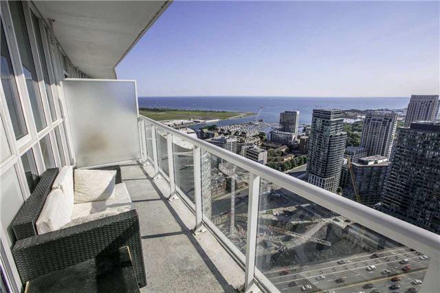 Condo Apartment at 75 Queens Wharf Rd, Unit 4612, Toronto, Ontario. Image 4