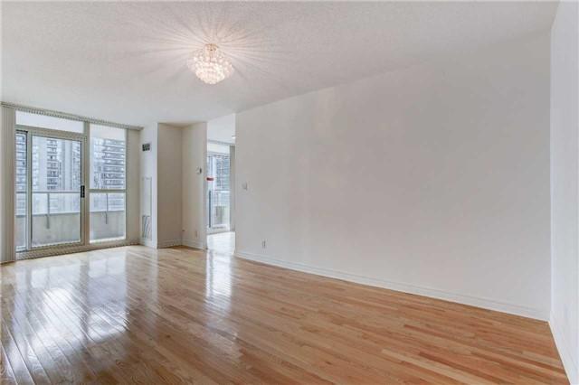Condo Apartment at 23 Hollywood Ave, Unit 2502, Toronto, Ontario. Image 13