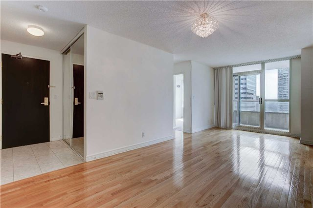 Condo Apartment at 23 Hollywood Ave, Unit 2502, Toronto, Ontario. Image 14