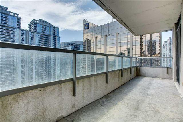 Condo Apartment at 23 Hollywood Ave, Unit 2502, Toronto, Ontario. Image 17