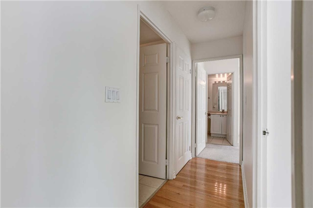 Condo Apartment at 23 Hollywood Ave, Unit 2502, Toronto, Ontario. Image 19