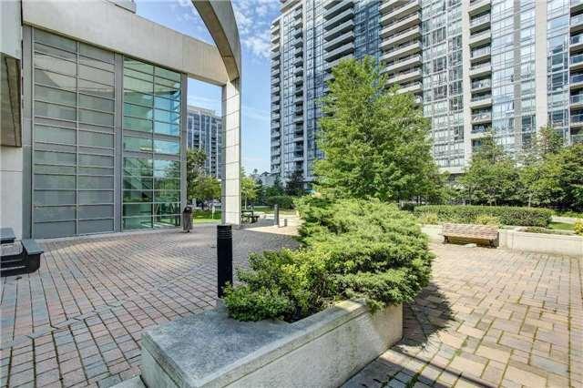 Condo Apartment at 23 Hollywood Ave, Unit 2502, Toronto, Ontario. Image 10