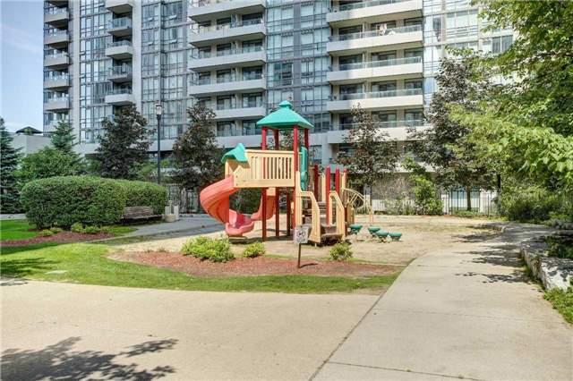 Condo Apartment at 23 Hollywood Ave, Unit 2502, Toronto, Ontario. Image 11