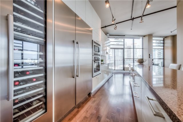 Condo Apartment at 43 Hanna Ave, Unit 511, Toronto, Ontario. Image 18