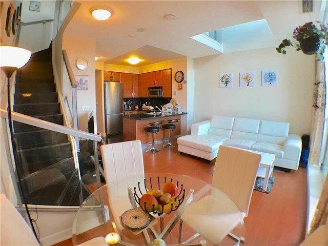Condo Apartment at 1 Avondale Ave, Unit 1006, Toronto, Ontario. Image 2