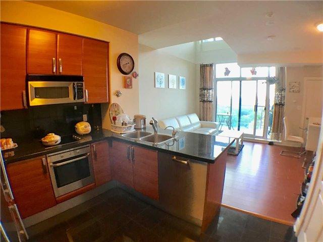 Condo Apartment at 1 Avondale Ave, Unit 1006, Toronto, Ontario. Image 3