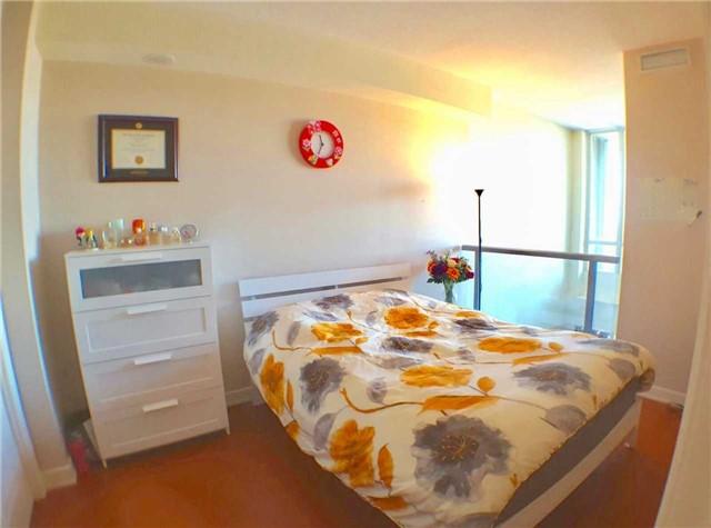 Condo Apartment at 1 Avondale Ave, Unit 1006, Toronto, Ontario. Image 5