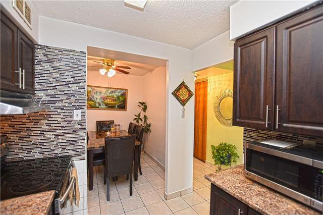 Condo Apartment at 45 Sunrise Ave, Unit 1205, Toronto, Ontario. Image 18