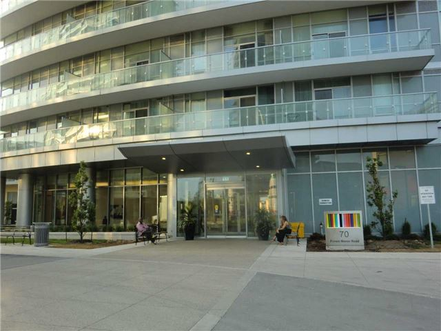 Condo Apartment at 70 Forest Manor Rd, Unit 905, Toronto, Ontario. Image 1