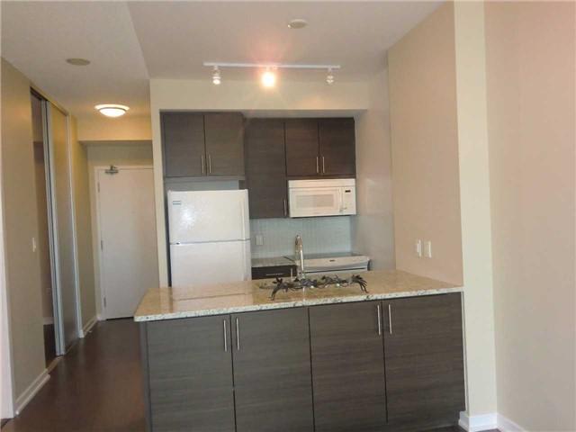Condo Apartment at 70 Forest Manor Rd, Unit 905, Toronto, Ontario. Image 3