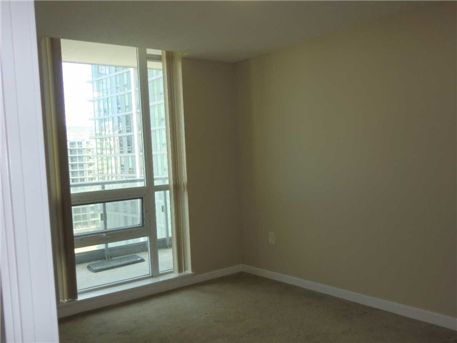Condo Apartment at 70 Forest Manor Rd, Unit 905, Toronto, Ontario. Image 6