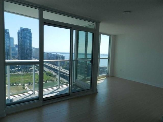 Condo Apartment at 85 Queens Wharf Rd, Unit 2912, Toronto, Ontario. Image 3