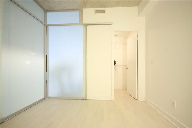 Condo Apartment at 20 Gladstone Ave, Unit 503, Toronto, Ontario. Image 17