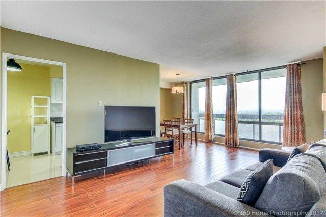 Condo Apartment at 260 Seneca Hill Dr, Unit 802, Toronto, Ontario. Image 1