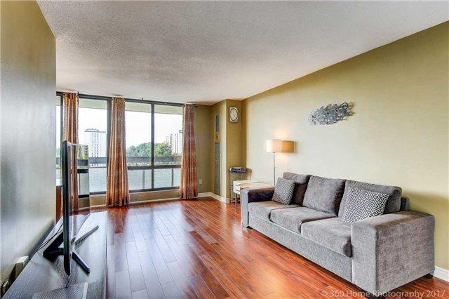 Condo Apartment at 260 Seneca Hill Dr, Unit 802, Toronto, Ontario. Image 12