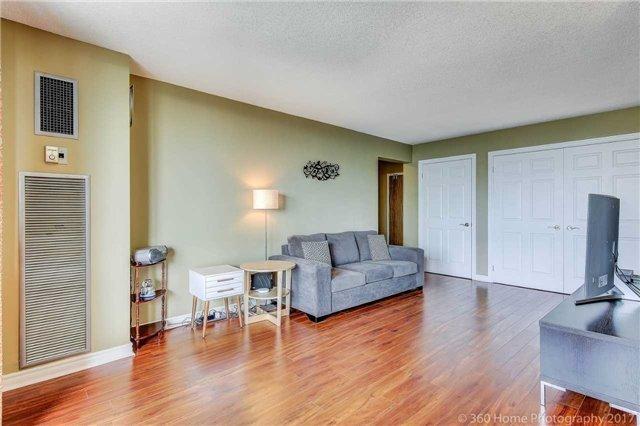 Condo Apartment at 260 Seneca Hill Dr, Unit 802, Toronto, Ontario. Image 14