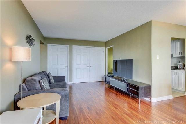 Condo Apartment at 260 Seneca Hill Dr, Unit 802, Toronto, Ontario. Image 15