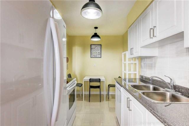 Condo Apartment at 260 Seneca Hill Dr, Unit 802, Toronto, Ontario. Image 18