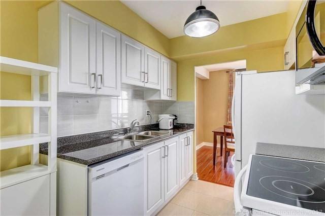 Condo Apartment at 260 Seneca Hill Dr, Unit 802, Toronto, Ontario. Image 19