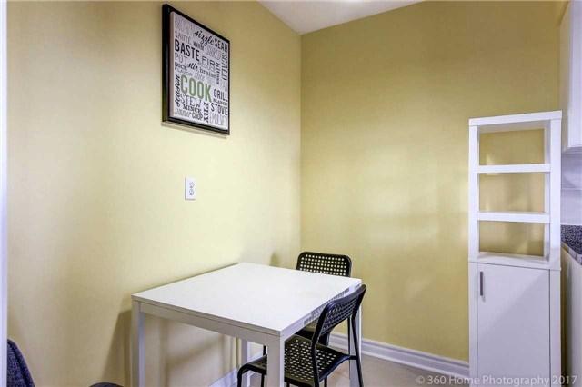 Condo Apartment at 260 Seneca Hill Dr, Unit 802, Toronto, Ontario. Image 2