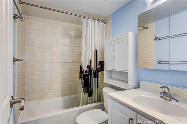 Condo Apartment at 260 Seneca Hill Dr, Unit 802, Toronto, Ontario. Image 3