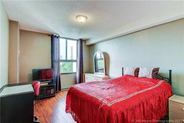 Condo Apartment at 260 Seneca Hill Dr, Unit 802, Toronto, Ontario. Image 6