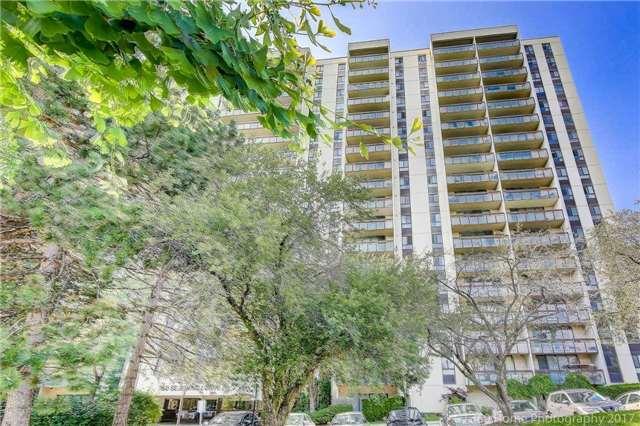 Condo Apartment at 260 Seneca Hill Dr, Unit 802, Toronto, Ontario. Image 9