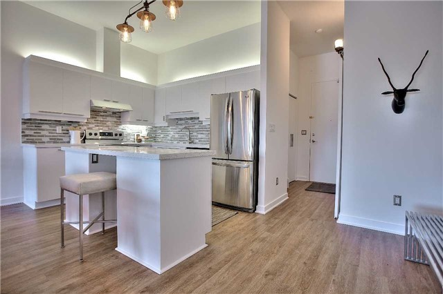 Condo Apartment at 160 Baldwin St, Unit 420, Toronto, Ontario. Image 16