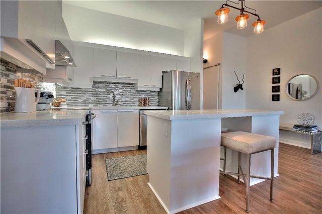 Condo Apartment at 160 Baldwin St, Unit 420, Toronto, Ontario. Image 17