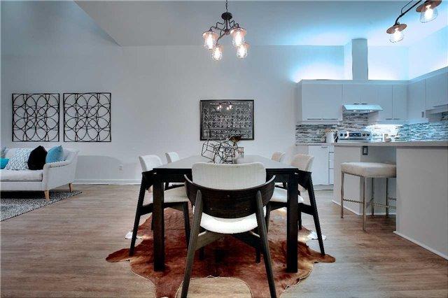 Condo Apartment at 160 Baldwin St, Unit 420, Toronto, Ontario. Image 19