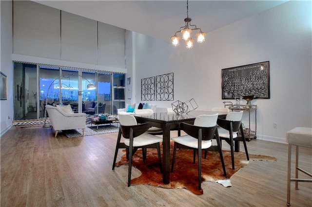 Condo Apartment at 160 Baldwin St, Unit 420, Toronto, Ontario. Image 4