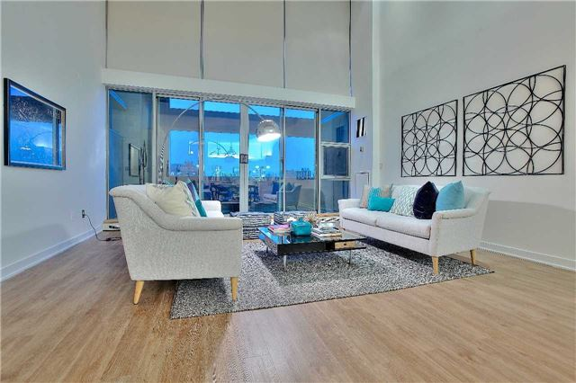 Condo Apartment at 160 Baldwin St, Unit 420, Toronto, Ontario. Image 8