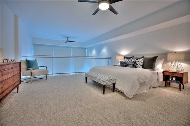 Condo Apartment at 160 Baldwin St, Unit 420, Toronto, Ontario. Image 10