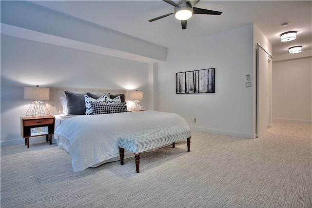 Condo Apartment at 160 Baldwin St, Unit 420, Toronto, Ontario. Image 11