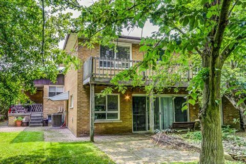Detached at 28 Pineway Blvd, Toronto, Ontario. Image 15