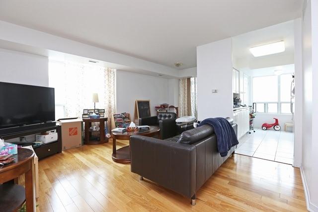 Condo Apartment at 8 Hillcrest Ave, Unit 1017, Toronto, Ontario. Image 6