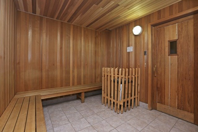 Condo Apartment at 8 Hillcrest Ave, Unit 1017, Toronto, Ontario. Image 3