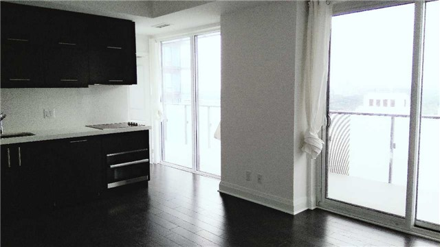 Condo Apartment at 1080 Bay St, Unit 4008, Toronto, Ontario. Image 7
