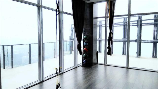 Condo Apartment at 1080 Bay St, Unit 4008, Toronto, Ontario. Image 11