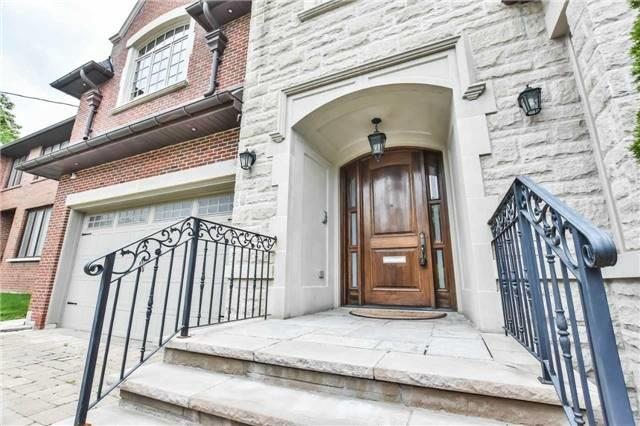 Detached at 14 Birchwood Ave, Toronto, Ontario. Image 12