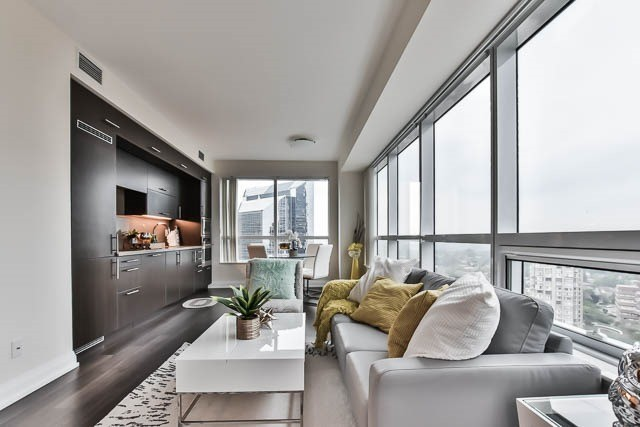 Condo Apartment at 5 Sheppard Ave E, Unit 2020, Toronto, Ontario. Image 11