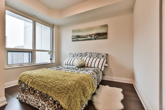 Condo Apartment at 5 Sheppard Ave E, Unit 2020, Toronto, Ontario. Image 2