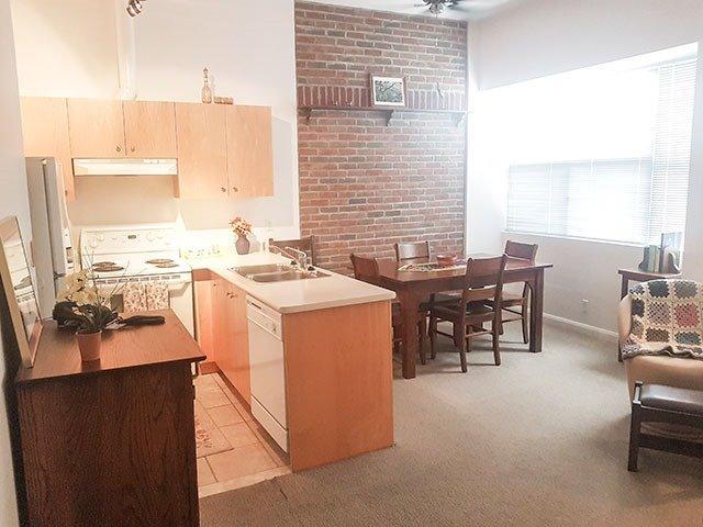 Condo Apartment at 700 King St W, Unit 1006, Toronto, Ontario. Image 12