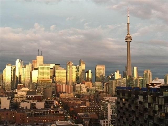 Condo Apartment at 700 King St W, Unit 1006, Toronto, Ontario. Image 6