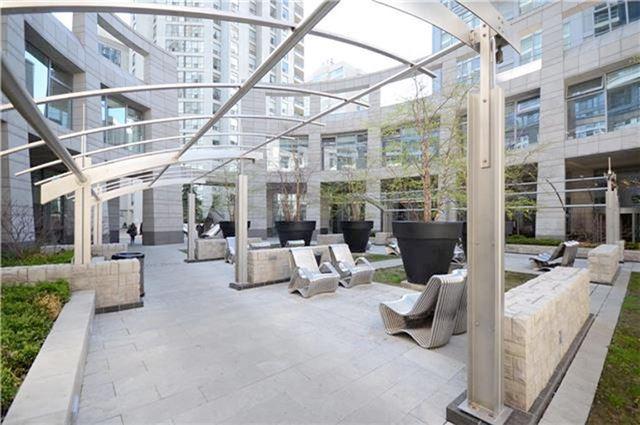 Condo Apartment at 2191 Yonge St, Unit 3012, Toronto, Ontario. Image 4