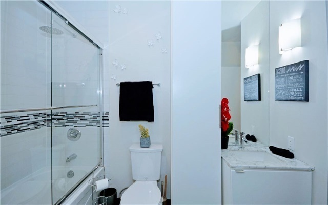 Condo Apartment at 33 Mill St, Unit 501, Toronto, Ontario. Image 4