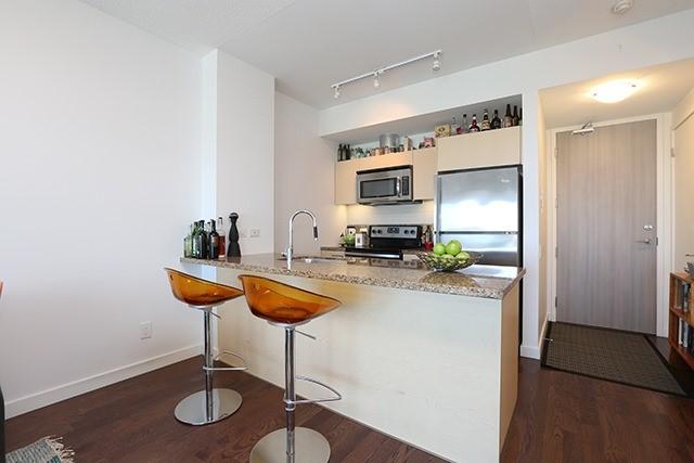 Condo Apartment at 70 Distillery Lane, Unit 3004, Toronto, Ontario. Image 14