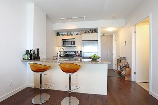 Condo Apartment at 70 Distillery Lane, Unit 3004, Toronto, Ontario. Image 15